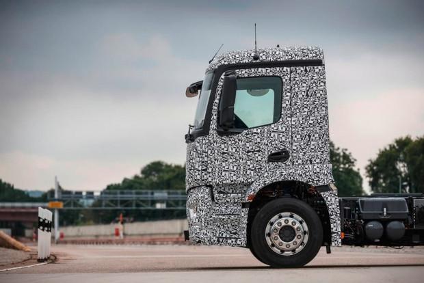 Mercedes'in elektrikli kamyonu eTruck - Page 2