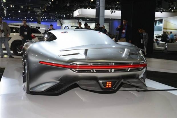 Mercedes'in gizemli konsept otomobili - Page 2
