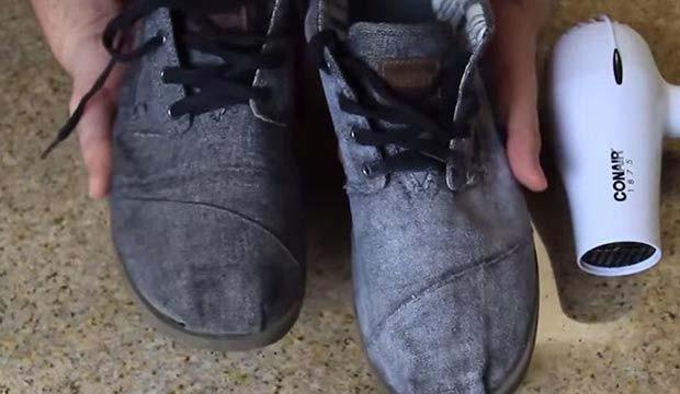 Mumla su geçirmez ayakkabı yaptı! - Page 1