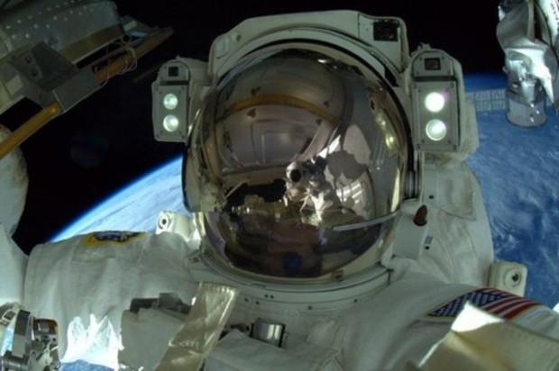 NASA, astronotların çektiği kişisel fotoğrafları paylaştı - Page 2