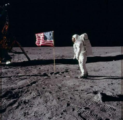 NASA bilinmeyen Ay fotoğraflarını yayınladı - Page 4