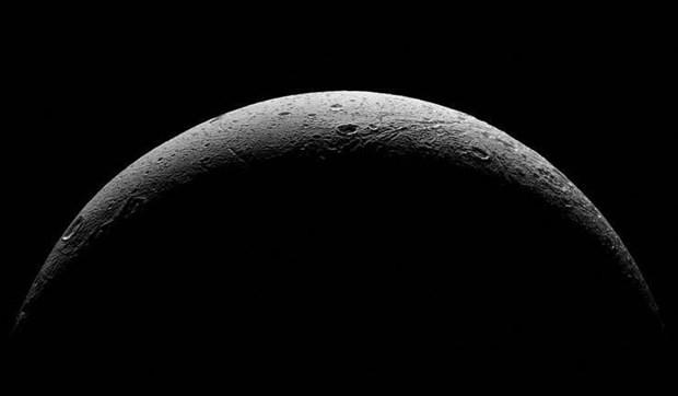 NASA, Cassini'nin bugüne kadar çektiği kareleri ilk kes yayınladı - Page 1