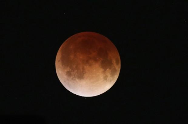 NASA, Kanlı Ay tutulmasını canlı yayınladı! - Page 2