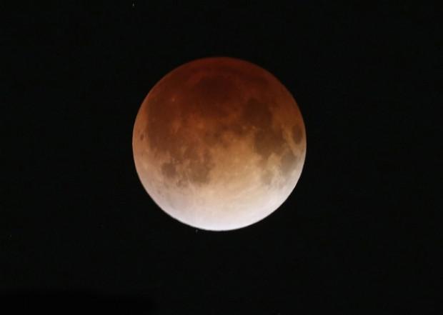 NASA, Kanlı Ay tutulmasını canlı yayınladı! - Page 3