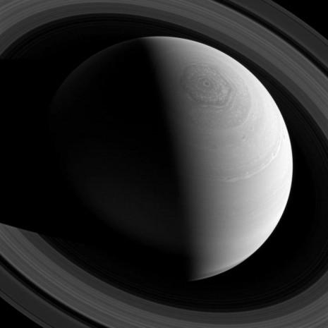 NASA, Satürn'ün muhteşem görüntülerini paylaştı - Page 3