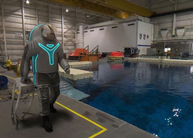 NASA, yeni uzay giysisi Z-2'yi tanıttı - Page 4