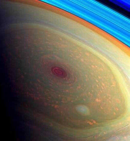 Nasa'dan Satürn'deki dev kasırganın görüntüleri! - Page 1
