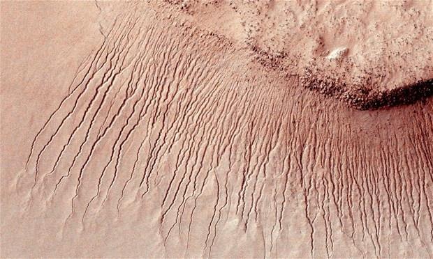 NASA'nın dünyaya duyurduğu Mars'taki suyun sırrı çözüldü - Page 1