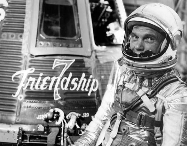 NASA'nın ilk uzay seyahatinden 13 fotoğraf - Page 1