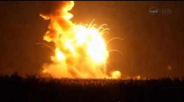 NASA'nın uzaya gönderdiği insansız roket böyle infilak etti - Page 4