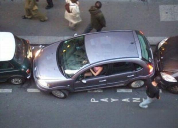 'Nasıl olur?' diyeceğiniz birbirinden ilginç park kazaları - Page 2