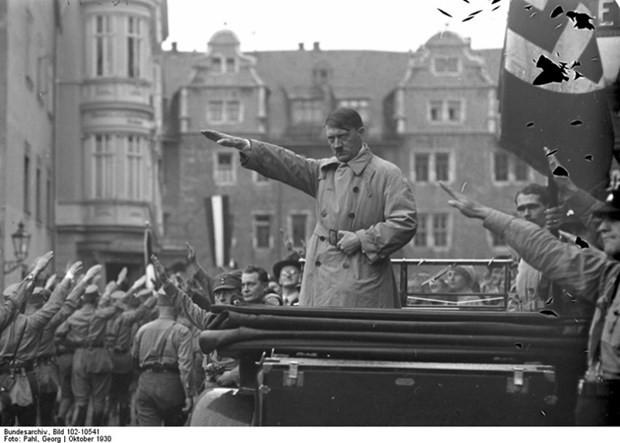 Nazi lideri Hitler'in ilk kez yayınlanan fotoğraf albümü - Page 3