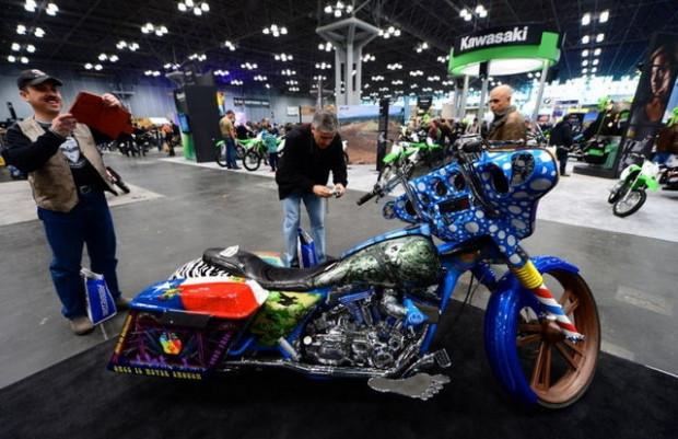 New York Progressive uluslararası motosiklet fuarı - Page 3