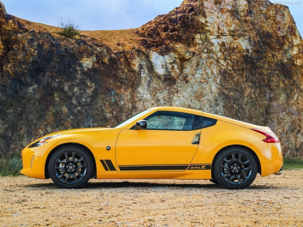 Nissan 370Z Coupe Heritage Edition 2018 - Page 4