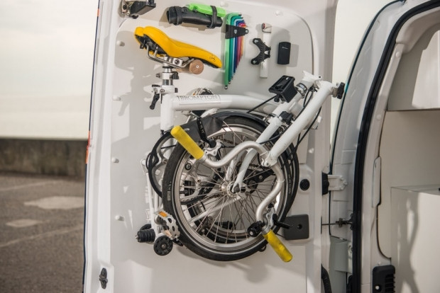 Nissan E-NV200 elektrikli mobil ofis - Page 2