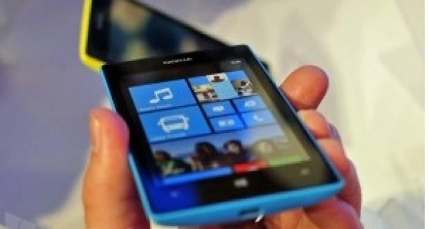 İşte Nokia Lumia 720 - Page 4