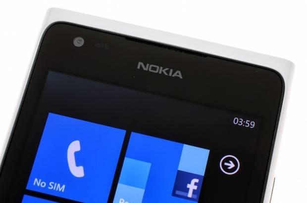 Nokia'nın muhteşem amiral gemisi Lumia 900! - Page 3