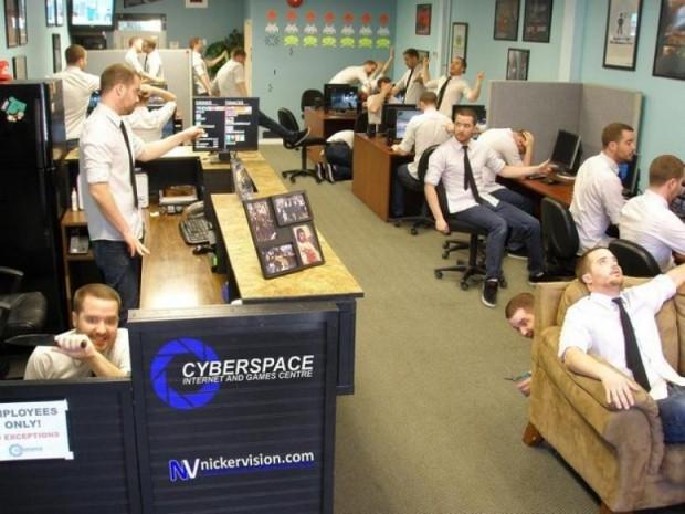 Ofiste Çalışanların İşsizlik Dönemlerinde Can Sıkıntısından Yaptıkları 17 Şaheser - Page 1