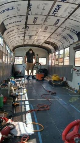 Okul otobüsü eve dönüştü - Page 1
