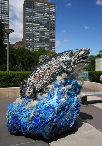 Okyanustan çıkan çöplerle sanat eseri yaptı - Page 4