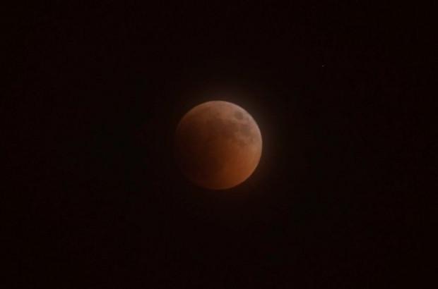 Önemli doğa olaylarından kısmi Ay tutulması gerçekleşti - Page 3