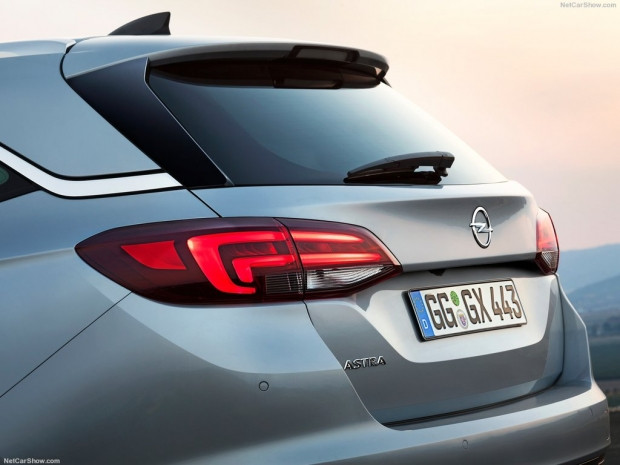 Opel Astra Sports Tourer (2016) - Page 3