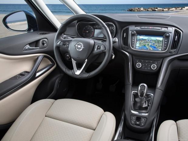 Opel Zafira 2017 için yenilendi - Page 1