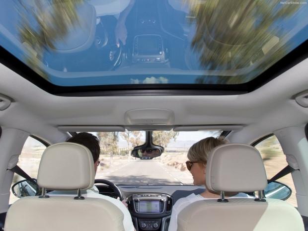 Opel Zafira 2017 için yenilendi - Page 2