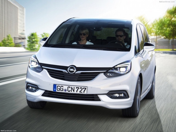 Opel Zafira 2017 - Page 2