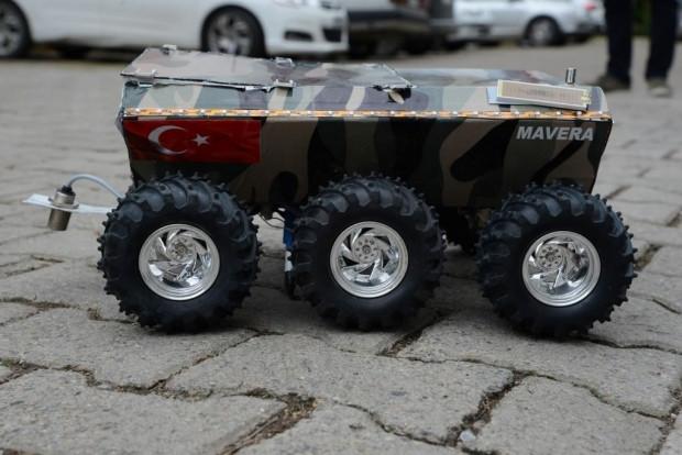 Ordulu öğrenciler mayın bulup imha eden araç tasarladı - Page 1