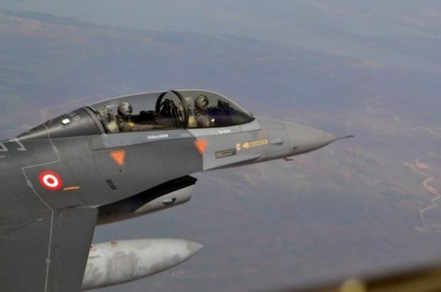 Orgeneral Akın Öztürk, F-16 Süleyman Şah'ı denetledi - Page 2