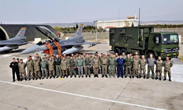 Orgeneral Akın Öztürk, F-16 Süleyman Şah'ı denetledi - Page 3