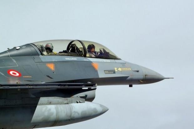 Orgeneral Akın Öztürk, F-16 Süleyman Şah'ı denetledi - Page 4