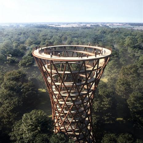 Ormanın ortasında yükselen tuhaf yapı - Page 1