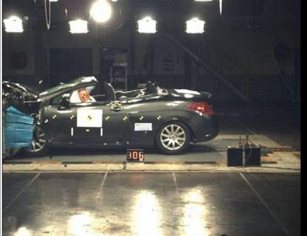Otomobiller çarpışma testinde! - Page 4