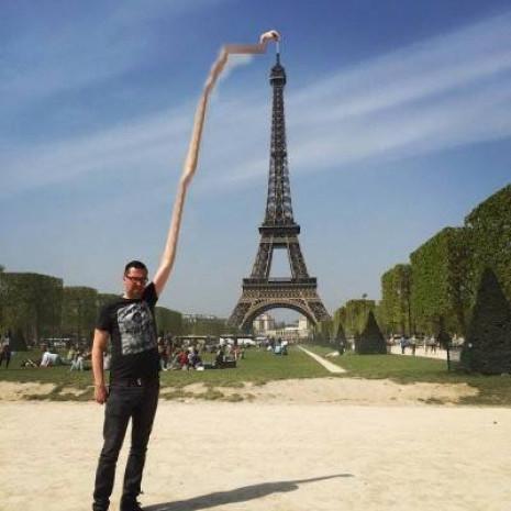 Paris'e yapmış olduğu gezi sonrası sosyal medyayı yorumuyla sallayan adam! - Page 3