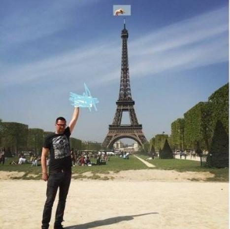 Paris'e yapmış olduğu gezi sonrası sosyal medyayı yorumuyla sallayan adam! - Page 4