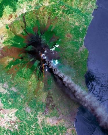 Patlama anları uzaydan görüntülendi - Page 3