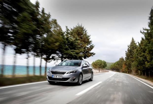 Peugeot 308 1.6 BlueHDi EAT6 - Page 2