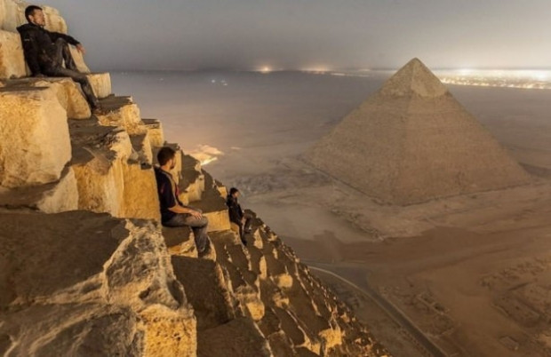 Piramitlerin gizemi - Page 1