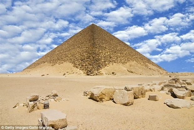 Piramitlerin içinde gerçekten ne oluyor? - Page 4