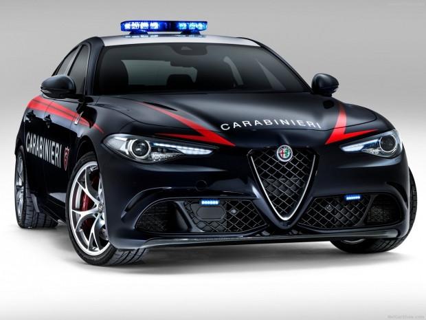 Polislere özel Alfa Romeo Guilia QV - Page 1