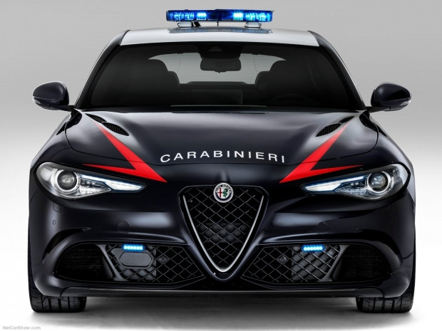 Polislere özel Alfa Romeo Guilia QV - Page 4