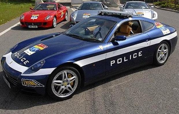 Polislerin göz alıcı oyuncakları - Page 3