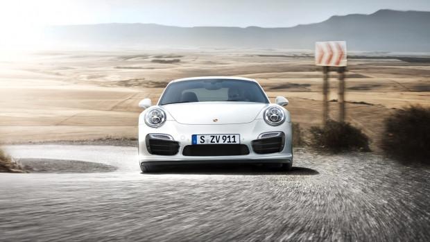Porsche 2015 model 911 Turbo S modelini tanıttı - Page 1