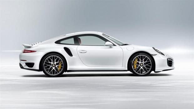 Porsche 2015 model 911 Turbo S modelini tanıttı - Page 2