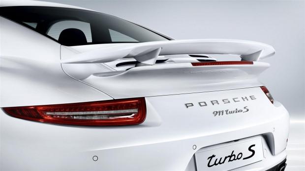 Porsche 2015 model 911 Turbo S modelini tanıttı - Page 3