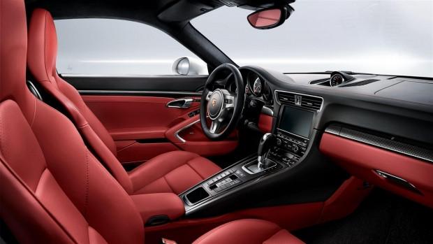 Porsche 2015 model 911 Turbo S modelini tanıttı - Page 4