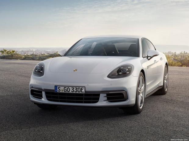 Porsche Panamera 4 e-Hybrid 2017 - Page 4