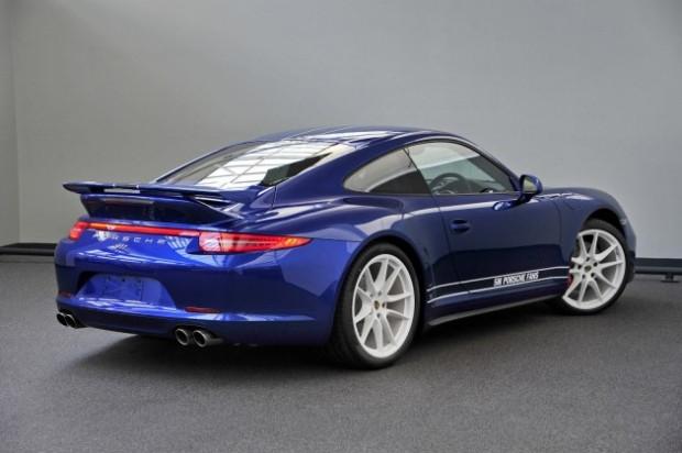 Porsche takipçileri 911 Carrera 4S'i tasarladı - Page 1